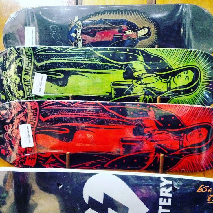 Nuevas  tablitas SANTA CRUZ virgen de Guadalupe de Jason Jesse! ENVIOS 24 HORAS AQUI:  WWW.DISASTER.ES.   Pago contra reembolso  en casa o con tarjeta   WWW.DISASTER.ES  Estamos en calle Córdoba Soho Málaga  @disasterstreetwear@theplacesoho  #streetwear #malaga #disasterstreetwear #theplacesoho #jason #jesse #skate #Santacruz