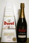 Cerveja Duvel Tripel Hop 2012 (Citra), estilo India Pale Ale (IPA), produzida por Brouwerij Moortgat, Bélgica. 9.5% ABV de álcool.