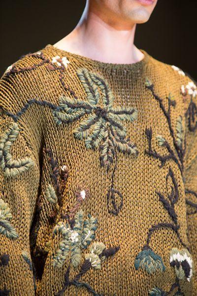 purlonpearl:  (via Gucci Men's Spring/Summer 2014 Runway Show | knit and crochet)