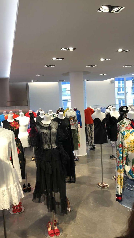 Mannequin installation womenswear in Colette Paris