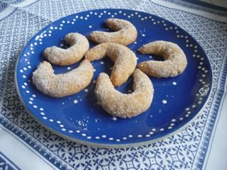 Walnusskipferl - Glutenfrei Backen und Kochen bei Zöliakie. Glutenfreie Rezepte, laktosefreie Rezepte, glutenfreies Brot