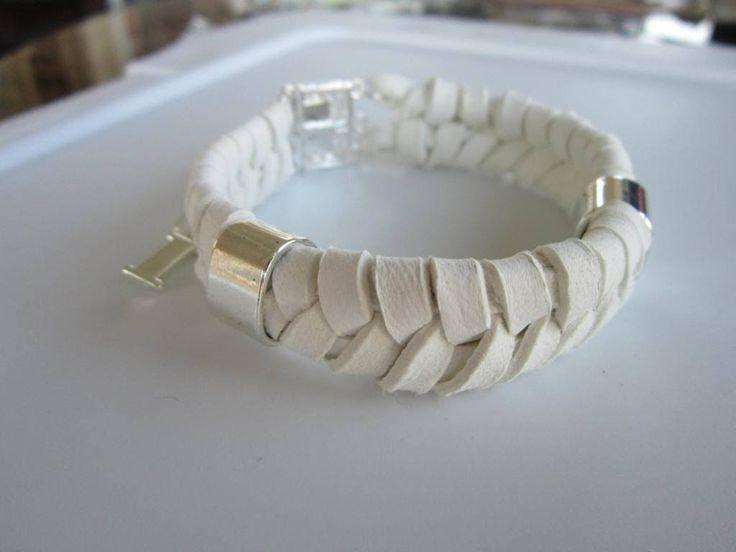 Кожаный браслет в 4 нити . 4 strand leather bracelet. How to make bracelet .