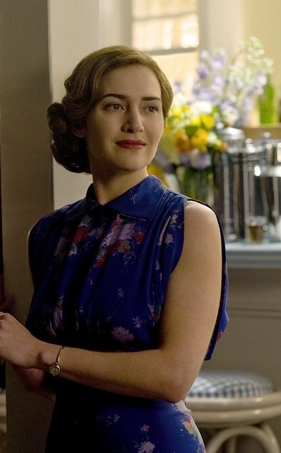 Kate Winslet as Mildred Pierce - costume 50's