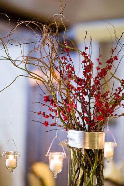 Bayas rojas y ramas secas, un arreglo floral de invierno perfecto #DecorarConFlores