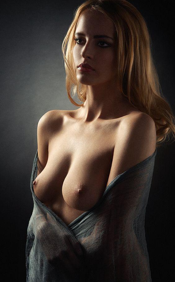 La mujer de mi hermano es muy sexy y atractiva -
