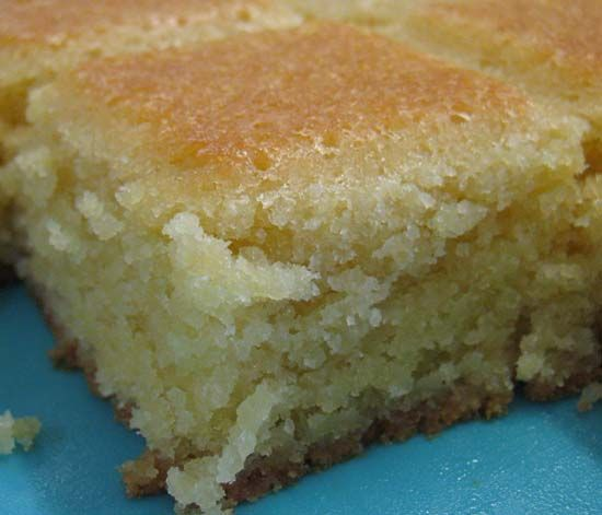 Pithiviers fondant délicieux Pour ma part, je n'ai mis que 120 g de sucre, 150 g de beurre Mes petits trucs : battre la pâte au batteur pour l'alléger et saupoudrer la pâte versée dans le moule de 10g de sucre afin que le dessus caramélise Un délice !!!