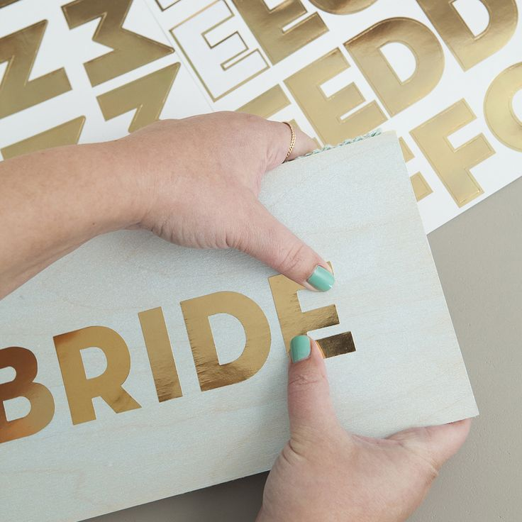 The 5 Best Techniques For Making Wedding Signs, Ever! | Learn how to make amazing wedding signs on a budget.