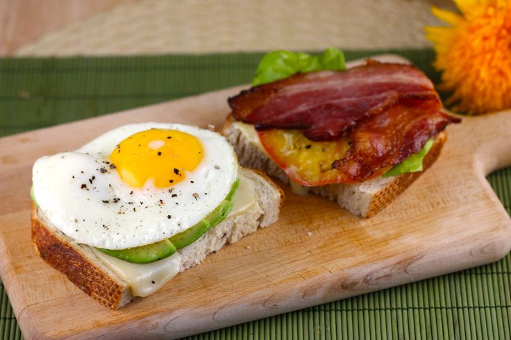 Fried Egg and Bacon Sandwich