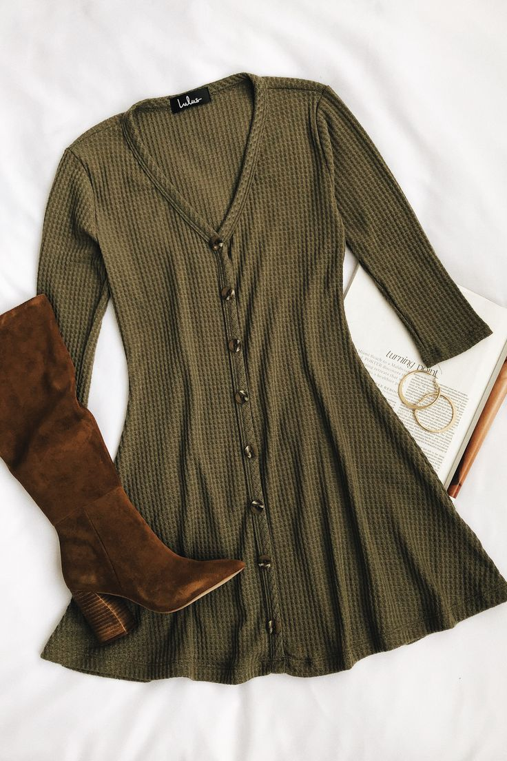 Splendid Style Olive Green Button-Front Knit Swing Dress