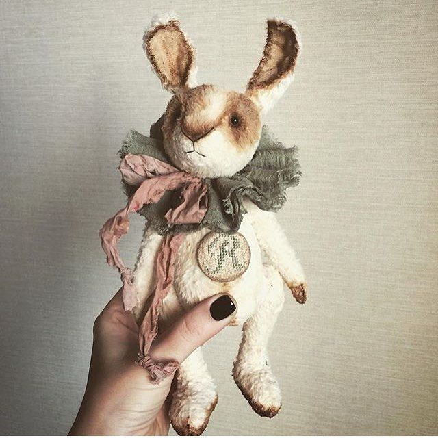 Автор: @alen_teddy • Ставь #toys_gallery лучшие попадают на нашу страницу!  Публикуем платно! Подробности в Директ. Новая услуга! Ваша реклама в наших рассказах 24 часа!!! Все подробности в Директ! #handmadedoll #handmade #кукла #кукларучнойработы #dolls #doll #handmade #кукла #куклаизткани #куклаинтерьерная #ангел #уют #интерьер #интерьернаякукла #кукланазаказ #amigurumi #crochettoy #амигуруми #интерьернаякукла #текстильнаякукла #тильда #тильдамания #куклыручнойработы #hobby #dollmaking