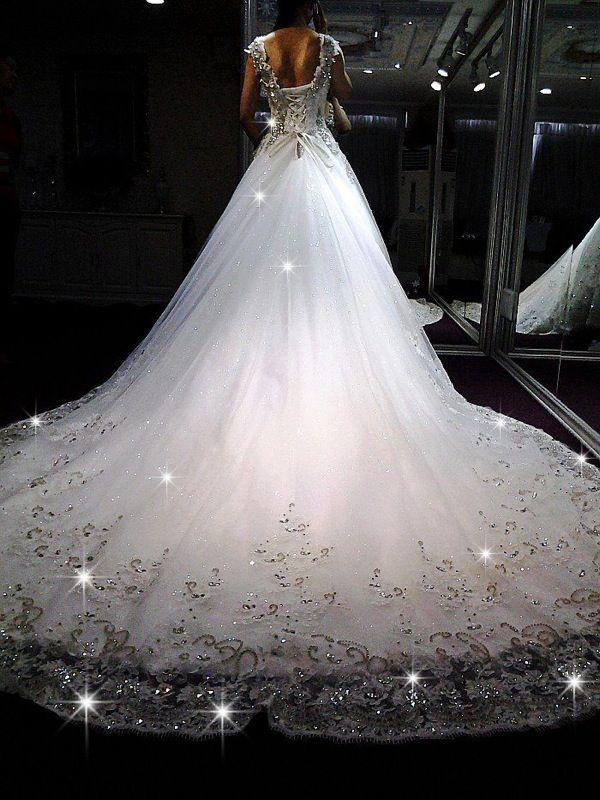Bridal Beauty: Utterly Gorgeous Wedding Dresses.