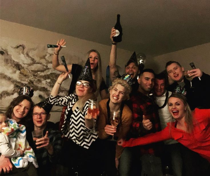 2018 will be great #nye#nye2018#popfizzclink#mypeople#Chicago#chicagogram#party#newyearseve#newyears#celebrate#stillrecovering#2018#friends#goodtimes