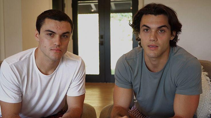Theyre so cute haha   Dolan twins, Dollan twins, Twins