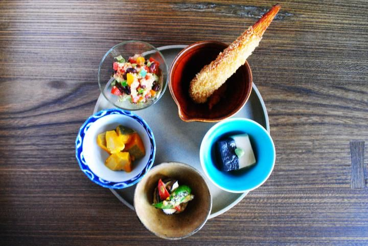 京都「出町うさぎ」で雑穀ごはん&ドイツの家庭料理をいただきます|ことりっぷ