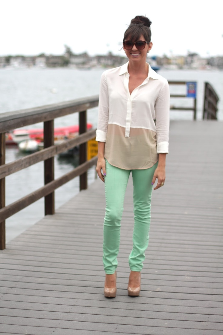 Mint green pants, shirt from Urban Outfitters and adorable pumps!Mint Pants, Colors Pants, Colors Combos, Urban Outfitters, Mint Green, Colors Jeans, Mint Jeans, Green Pants, Dreams Closets