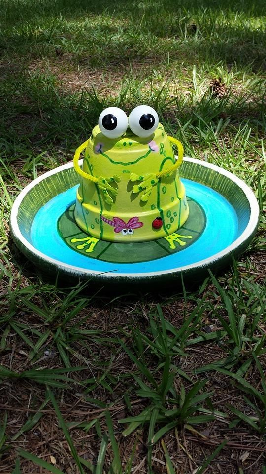 Frog Birdbath Or Feeder Clay Pots Pinterest Frogs