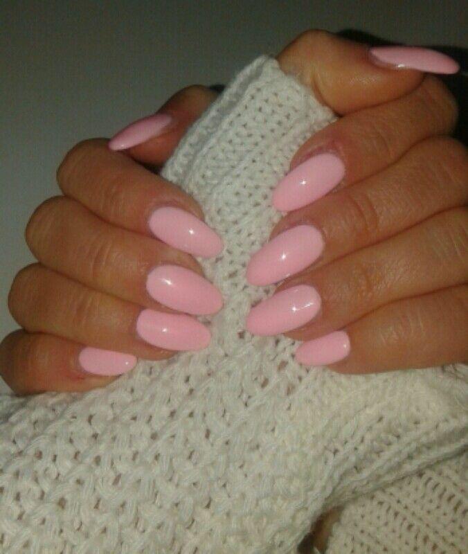 unghie gel forma a mandorla, rosa Barbie, primavera!