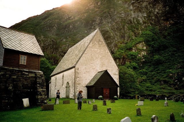 Mako Travels: Kinn Island, Norway