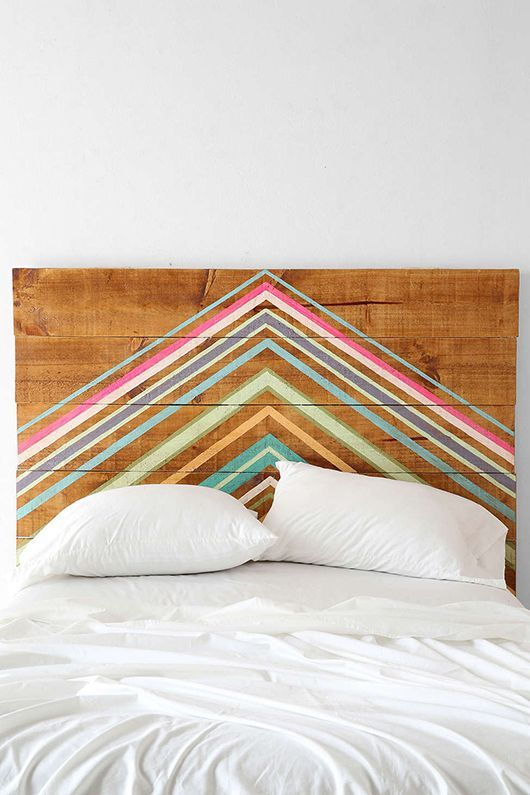 inspiration-chambre-decoration-perfect-bedrooms-blog-pinterest-formally-informal-wood-diy-headboard-tete-de-lit-a-faire-soi-meme-peinture-graphique-graphic-colors-couleurs