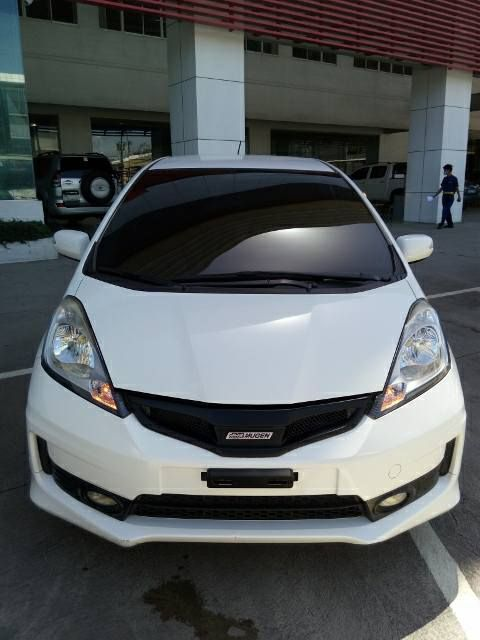 2013 Honda Jazz 1.5 iVTEC Gas engine 5 speed automatic transmission White 35t kilometers As Is Where Is Condition P 550,000.00 #hellokitty #sanrio#biggestfan #novelty #toys #clothing