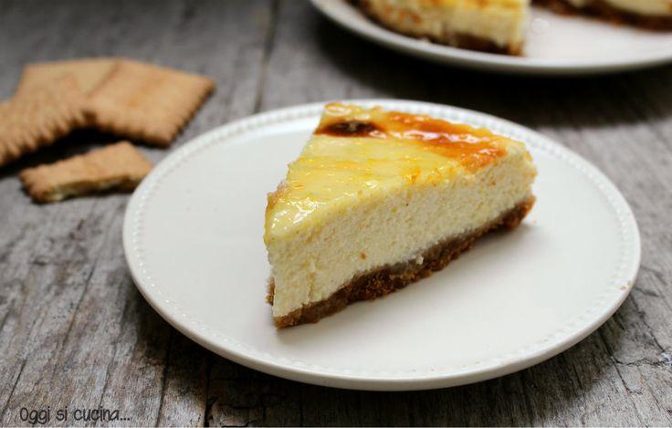 La cheesecake ricotta è yogurt è un dolce al cucchiaio apprezzato da tutti, ha una base di biscotti secchi e una farcitura di yogurt e ricotta.