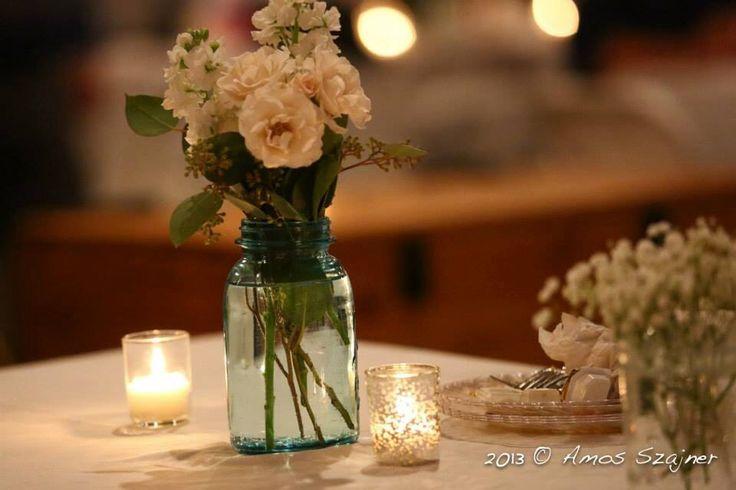 Simple elegance wedding table decor/flowers