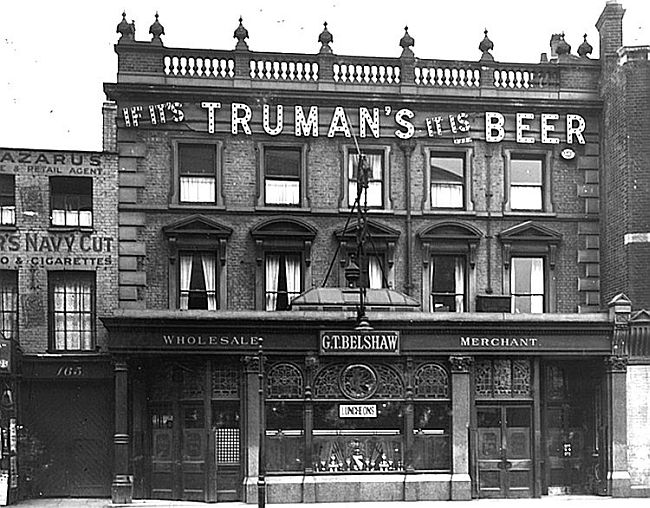Dolphin, 165 Mare Street, Hackney......i probably walked past here many a time when i was a teenager!