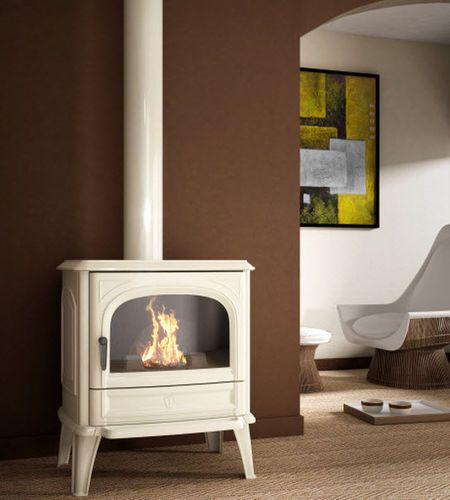 Traditional wood-burning stove (cast iron) - SAPHIRE - ArchiExpo