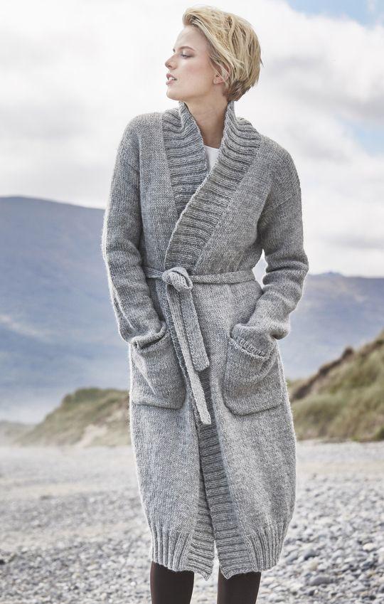 Novita's traditional Nordic knits, Cardigan made with Novita Joki (River) yarn. #novitaknits #knitting #knits https://www.novitaknits.com/en