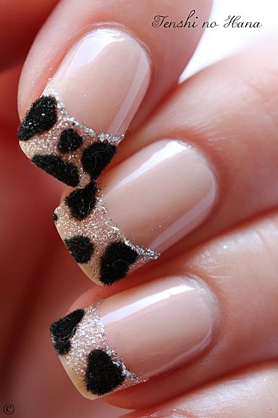 Love the leopard tips with just a touch of sparkle :)