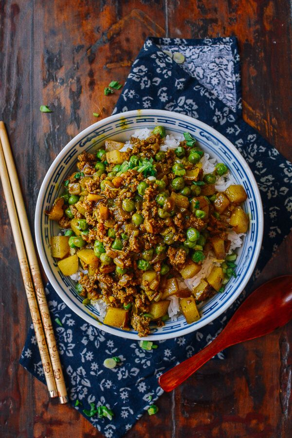 This recipe for Curry Beef Bowls has all the bold flavors you're looking for in an exotic dinner dish. From the turmeric and cumin to the curry powder, when blended with russet potatoes, ground beef, beef broth, and peas, your cooking creation will come together deliciously.