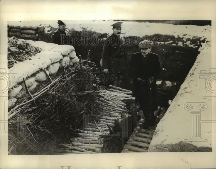 1940 Press Photo British opposition leader Clement Attlee tours French trenches