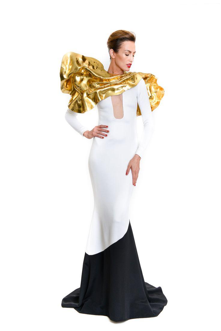 """Tzuri Gueta pour Stéphane Rolland AW15/16  écharpe """"sculpture"""" en silicone métal"""