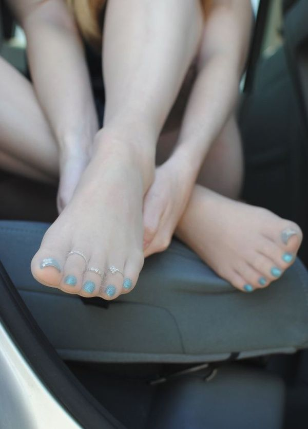 Pin By Darren Renfroe On Long Toes Sexy Feet Feet Soles Sexy Toes