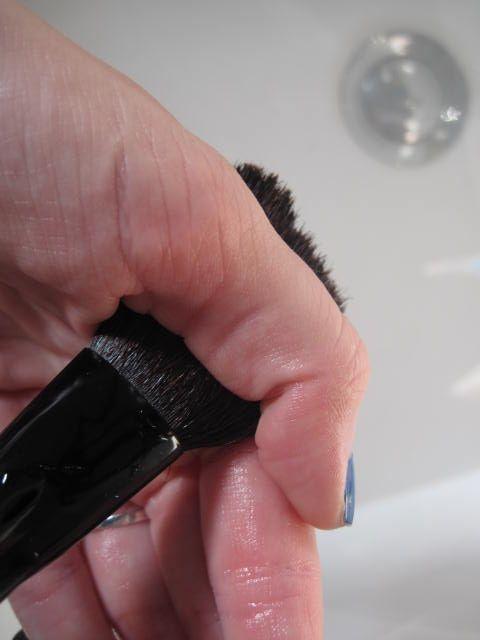 Eyeliner penseel schoonmaken