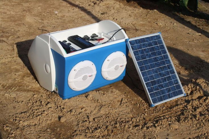 6 Awesome Solar Powered Gadgets You Should Be Using. Can solar powered gadgets cut down on your electric bill? With the newest solar power devices coming down in cost there's no reason why you're not saving 10% or more of your monthly energy bill. And some of these are the coolest solar-powered gadgets you have ever seen.