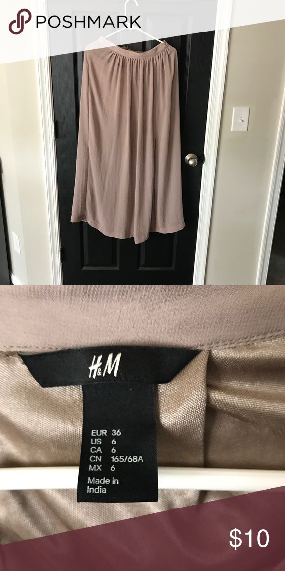 Maxi skirt Beige maxi skirt with shorter lining H&M Skirts Maxi