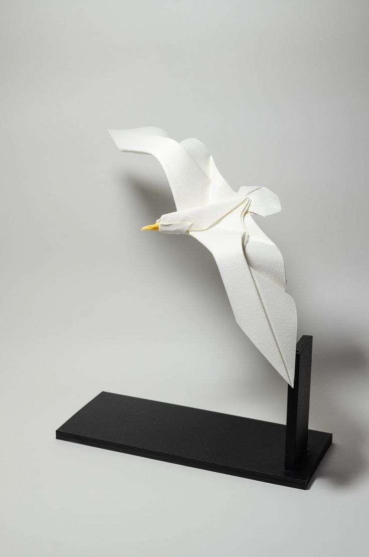 Wet-folded origami that generates beautifully curved paper sculptures of animals…