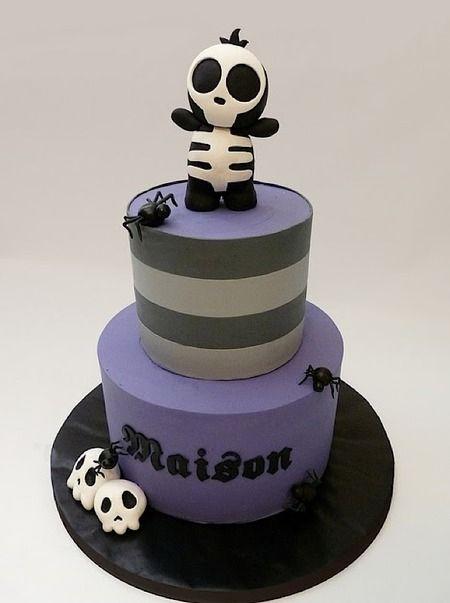 cute skeleton halloween cake by tuffcookie cakes cake wrecks home sunday sweets halloween cuteness
