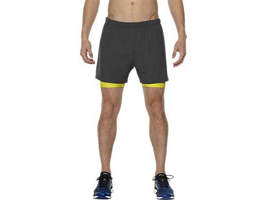 <p>Cet élégant short de course pour hommes est muni d'empiècements en mesh pour vous assurer une très bonne aération quand vous courez. Léger et d'une longueur de 13cm, il est équipé d'une poche arrière fermée, suffisamment grande pour accueillir un iPhone6.</p>  <p>Son sprinter intégré, de couleur contrastée, vous offre un maintien léger et vous apporte le confort dont vous avez besoin pour courir, tandis que son tissu extérieur est doux et extensible. Vo...