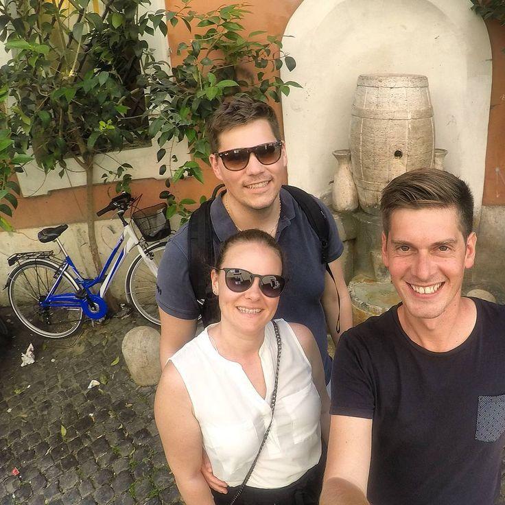 #Fountain #rome #rom #fontanadellabotte #trastevere #italy #wine #tourguiderik #svenskguiderom www.tourguiderik.com