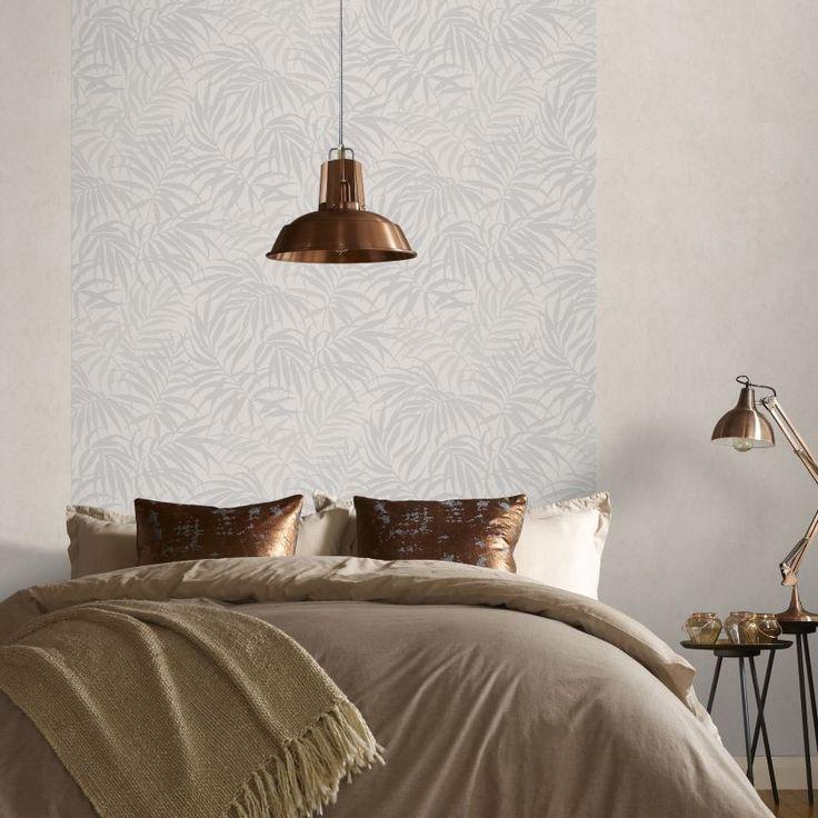 Dans la chambre, pour rompre avec la monotonie d'un mur uniforme, créez une…