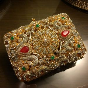 Latest Bridal Clutches Collection 2015 (1)