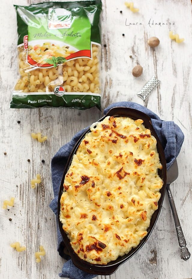 Melci ondulati Mac and Cheese, o reteta delciioasa de paste americane cu sos besamel si branza cheddar. Reteta macaroane cu branza.