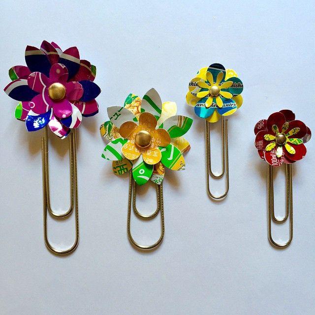 「アルミ缶フラワークリップ#アルミ缶#ジュース#チューハイ#花型#割りピン#クラフトパンチ#ゼムクリップ#グルーガン#リサイクル#craft#flower#recycle♻️ #Aluminum can #flower#handmade」