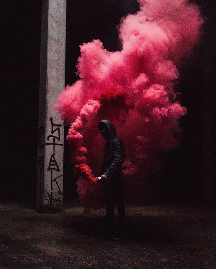 картинки на телефон дымовые шашки слезы