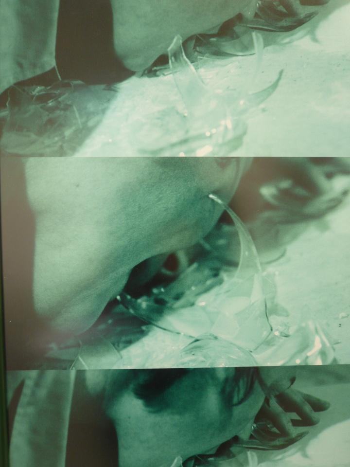 Gina Pane - Partition pour une feuille de menthe ©courtesy of the artist ©Kamel Mennour ©Anne Marchand