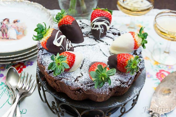 Pastel de Chocolate y Fresas| lacocinadefrabisa