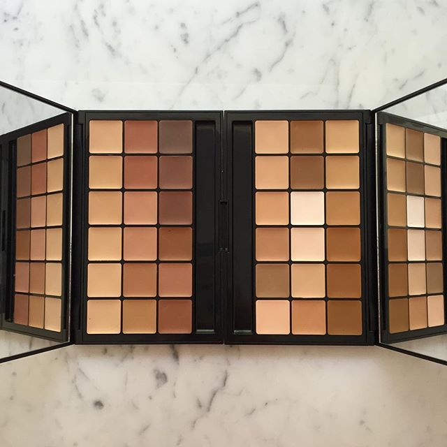 kandeejohnson: These are the most essential foundation palettes for every makeup artist...the @rcmamakeup VK10 (darker one on the left) & VK11 (one on the right is what I also personally use for myself to contour and highlight any part of my face and for everyday and any transformation when I change my face to look like someone else!) Before youtube when I was a freelance makeup artist and I was the key makeup artist for a Rachel Roy fashion show...none of the other artists could match all…