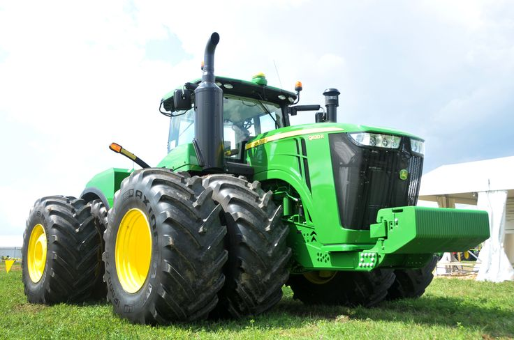The 9620R is the largest John Deere tractor ever built, offering 620 hp.